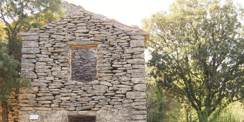 Maison pierres Bories Luberon France